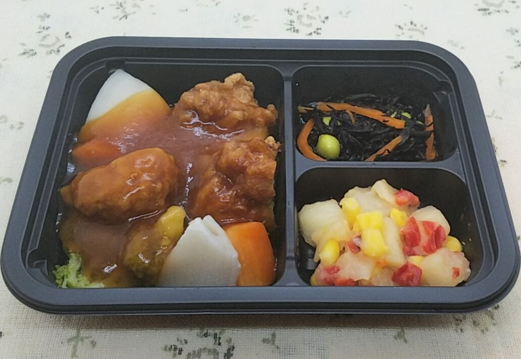 ヨシケイ(夕食ネット)「楽らく味彩」鶏唐揚げの酢豚風