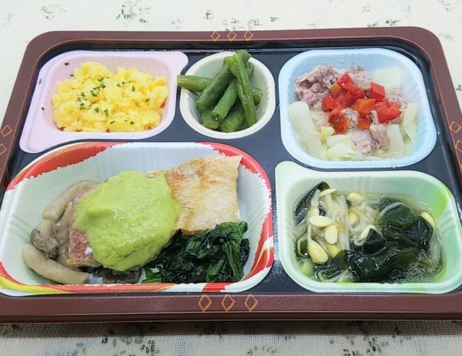 美味しい宅配弁当5選・食卓便・赤魚のアボカドソースと豚肉のソテー