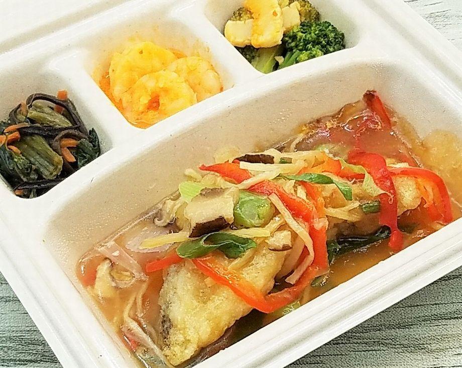 美味しい宅配弁当5選・nosh-ナッシュ「白身魚の野菜あんかけ」